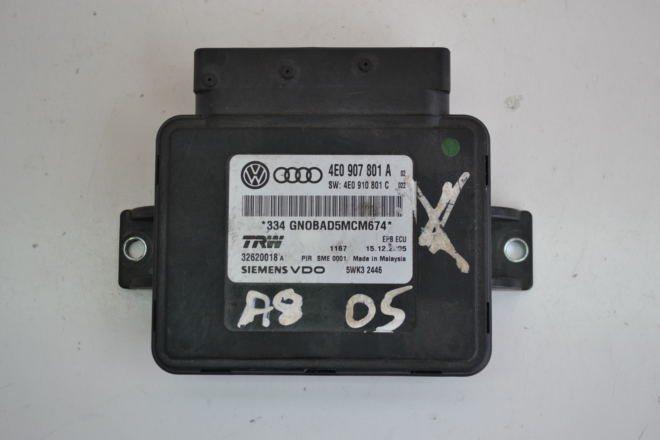 audi a8 d3 2005 electronic emergency parking brake ecu 4e0907801au. Black Bedroom Furniture Sets. Home Design Ideas