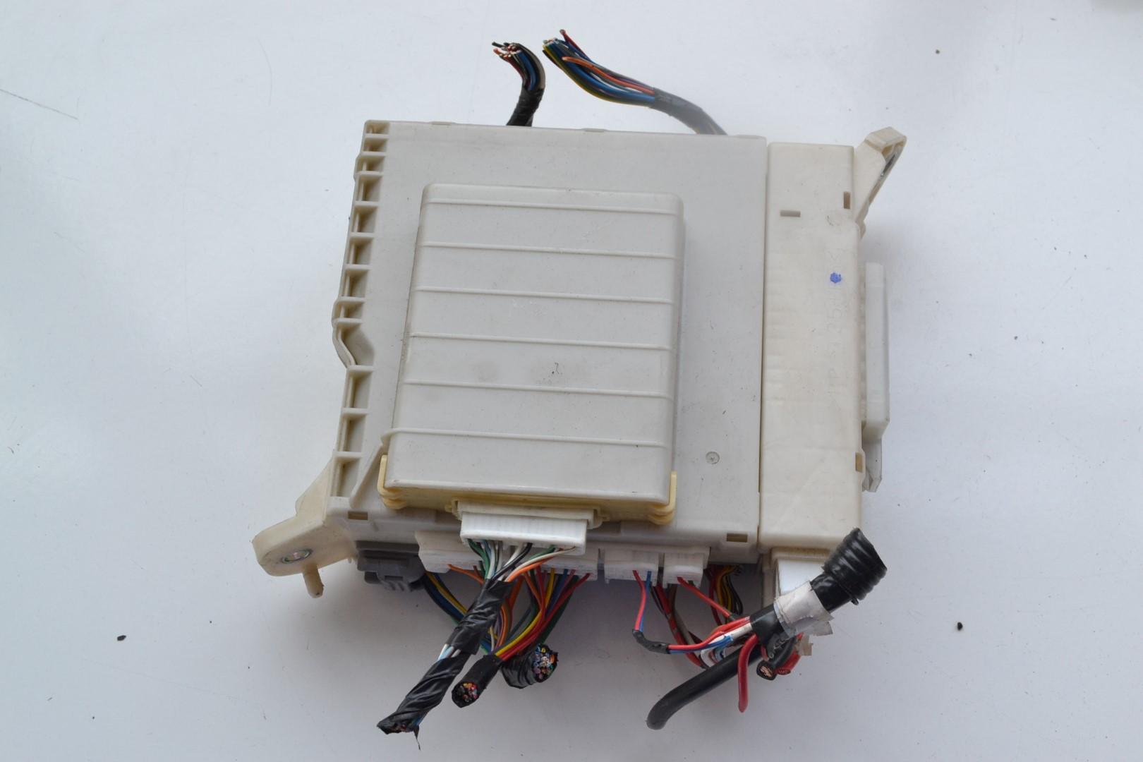 1598982 lexus gs 450h 3 5 hybrid 2008 2gr fse interior fuse box relay  at reclaimingppi.co