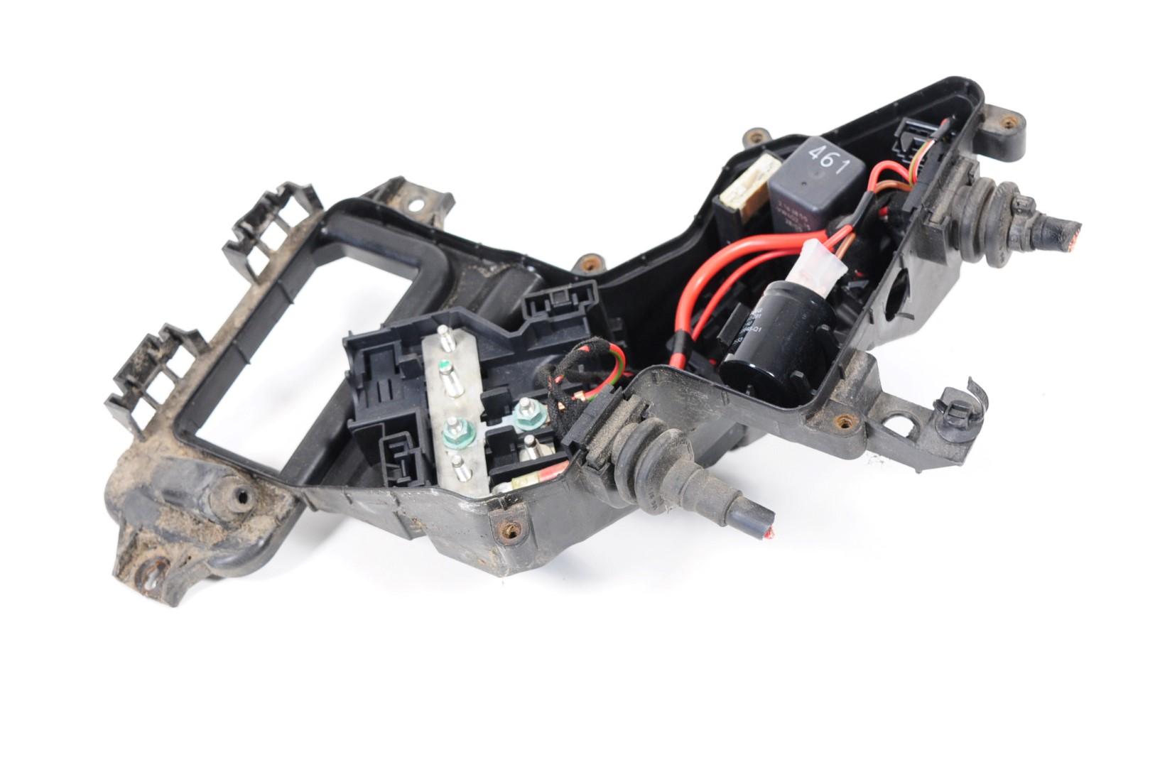 Audi A6 C6 4f 20 Tdi Avant 2006 Rhd Engine Bay Fuse Box 4f0941824