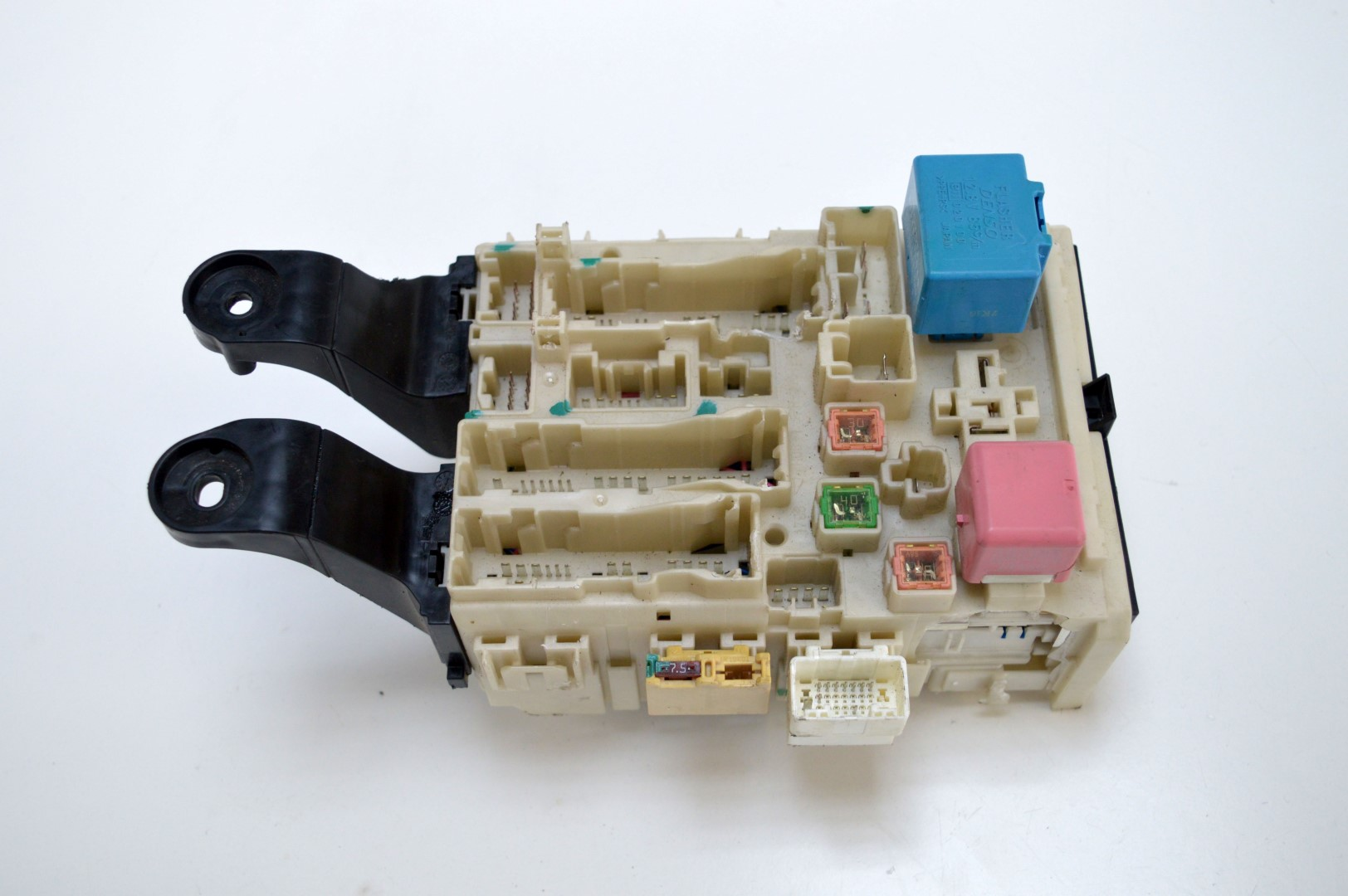 1802583 toyota avensis 2011 diesel fuse box 82730 05140 1541 8i17 ebay  at gsmx.co