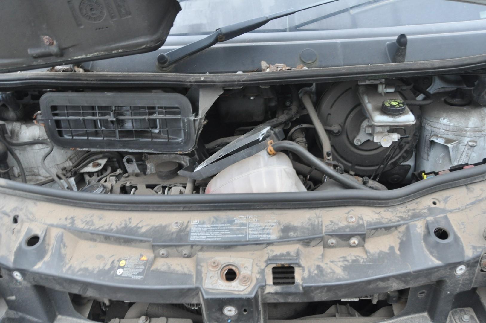 Opel    Vauxhall Vivaro 2008 2 0 Cdti Egr Valve 8200797706