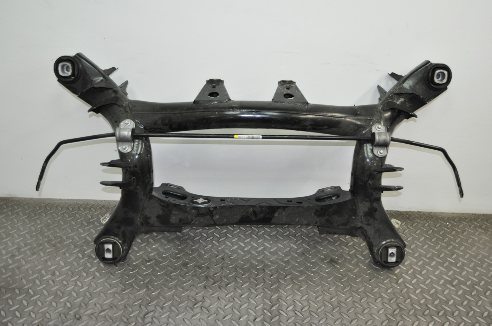 BMW 3 SERIES F30 SALOON 320D REAR AXLE SUB FRAME DIFF /& SUSPENSION MOUNT 6792505