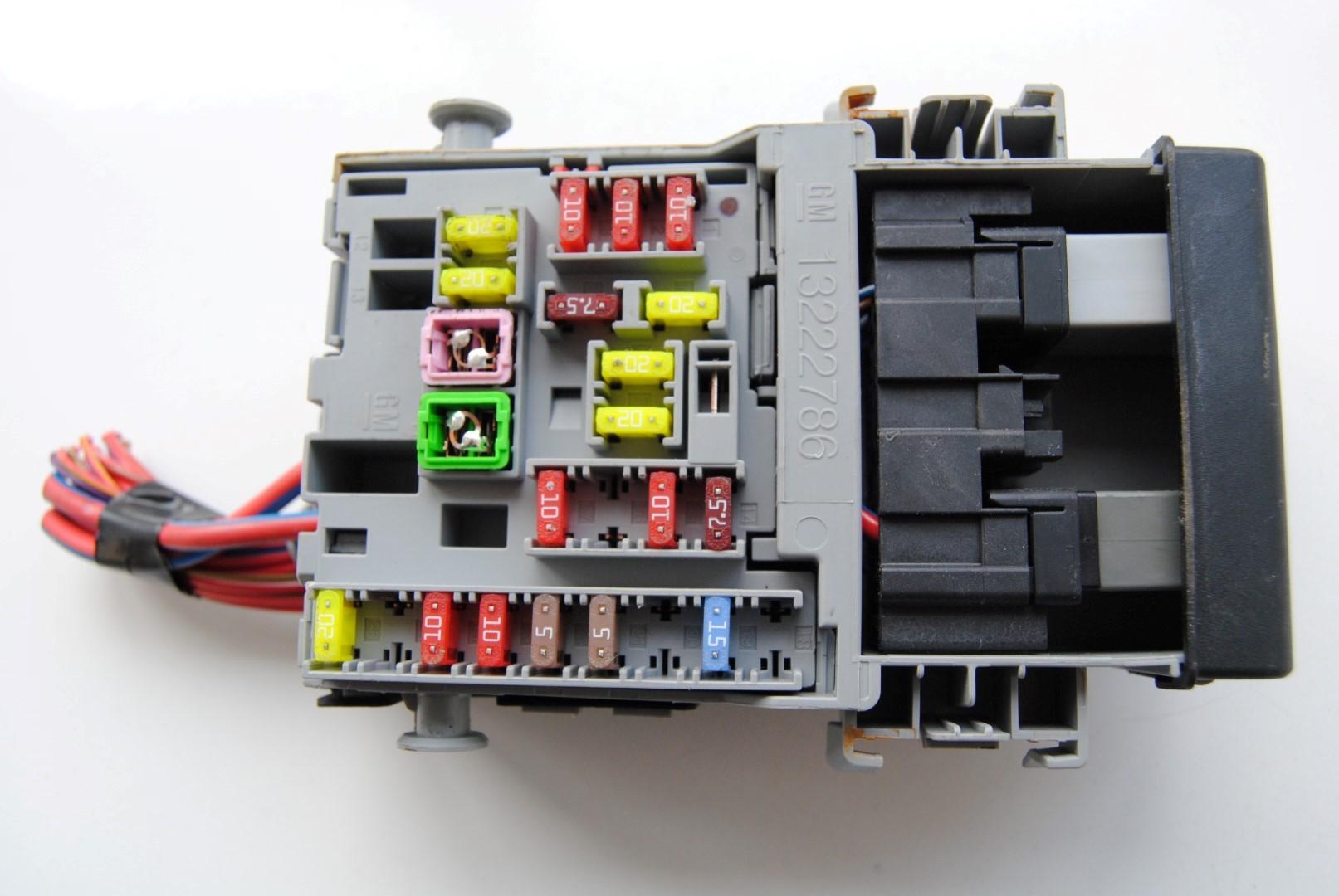 vauxhall astra 52 fuse box 2013 opel astra j 1 4 rhd interior relay fuse box unit module  rhd interior relay fuse box unit module